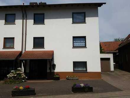 Schönes, geräumiges Haus mit fünf Zimmern in Kaiserslautern (Kreis), Weilerbach