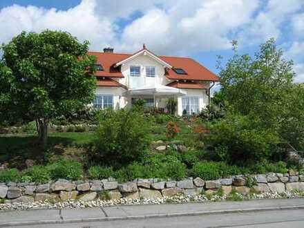 Voll möblierte Villa in Bestlage mit Fernblick