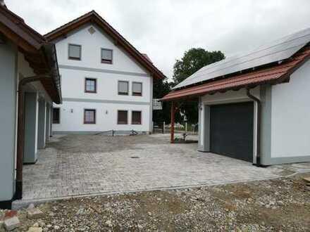 Erstbezug mit Terrasse: stilvolle 5-Zimmer-EG-Wohnung in Pastetten