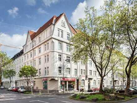 #*Geräumige und helle Altbau-Wohnung nahe der City*#