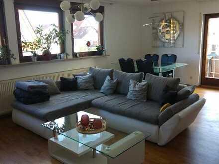 ***Charmante 4-Zimmer-Wohnung mit Balkon im Herzen von Renningen***