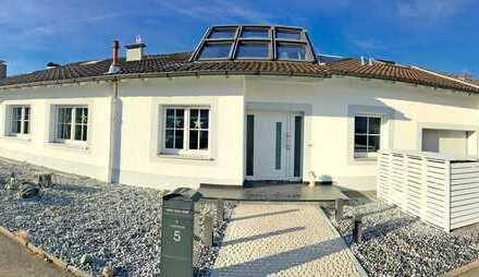 Sehr begehrte Wohnlage im Südosten - Perfekter Bungalow mit Einliegerwohnung und 280 m2 Wfl.