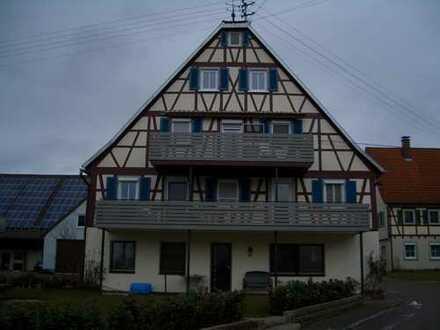 Charmante Dachwohnung in stilechtem Fachwerkhaus