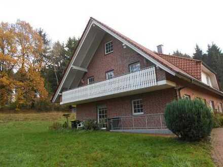 Moderne Doppelhaushälfte von Seen und Natur umgeben