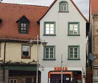 Schöne Altstadt Wohnhaus mit Gewerbe am Rathaus ZOH FÜRTH