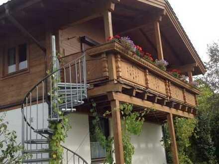 "luxeriös im ""Holzblockhütten""-Stil"