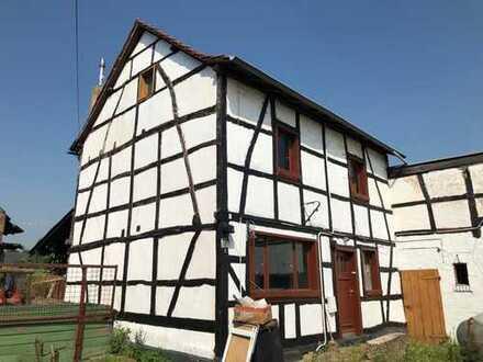 Sanierungsbedürftiges Fachwerkhaus mit Traumgrundstück