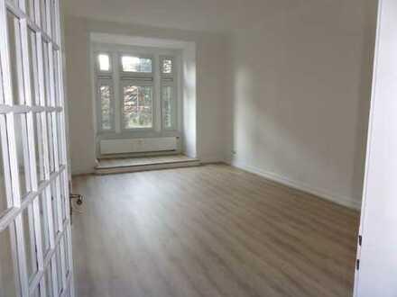 Erstbezug nach Sanierung: Traum- 4-Zimmer-Wohnung mit Balkon