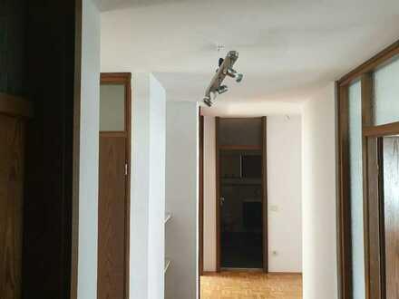 Gepflegte 3-Raum-Wohnung mit Balkon und Einbauküche in Speyer