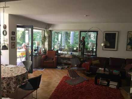 Schöne, geräumige fünf Zimmer Wohnung in München, Harlaching