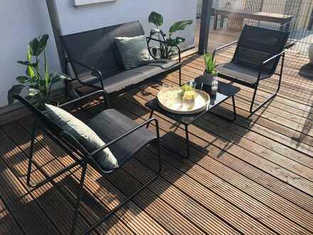 tolle 2 Zi. Altbau - Whg in einer sanierten Jugendstilvilla mit Balkon