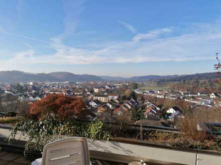 ON TOP: Großes Bungalow mit Panoramablick über das Wiesental und großer Südwest-Terrasse