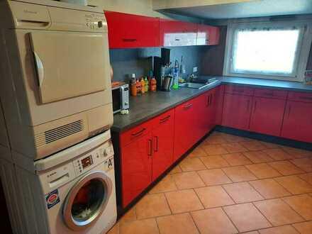 Modernisierte Wohnung mit fünf Zimmern und EBK in Burladingen