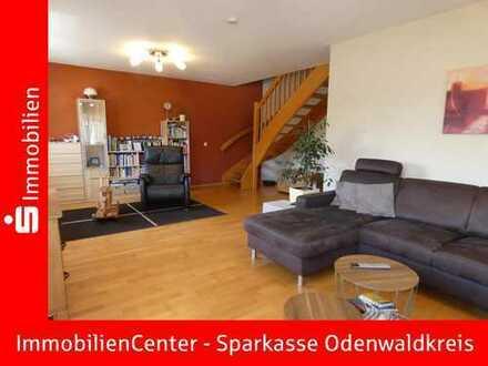 Viel Platz, sehr gepflegt und kurzfristig beziehbar! Einfamilienhaus mit ELW und 2 Garagen