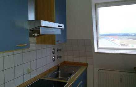 Gepflegte 2-Zimmer-DG-Wohnung mit Balkon in Leipheim