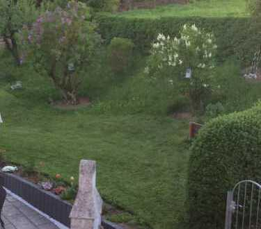 Gepflegte 4-Zimmer-Wohnung mit Terrasse und Garten in Fürth