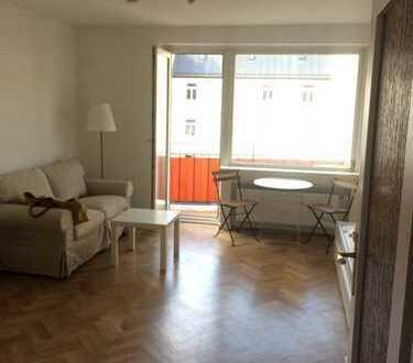 Voll ausgestattetes Luxus Saniertes Apartment mit Balkon,5min. von Uni&Pinakotheken, innenhoflage