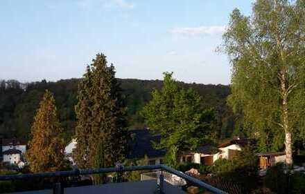 Schöne 2,5-Zimmer-Dachwohnung mit Balkon in Mühlacker