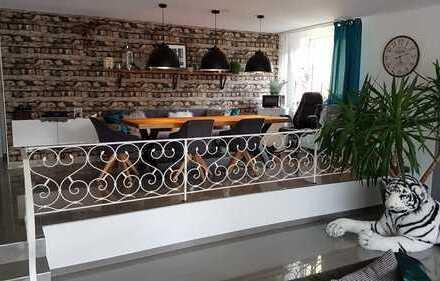 Sanierte 4-Zimmer-Loft-Wohnung mit Balkon in Dortmund