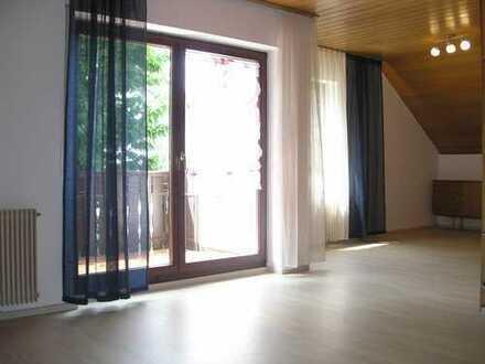 2 1/2 Zimmer DG-Wohnung teilmöbliert 76qm, Balkon, in Thalfingen