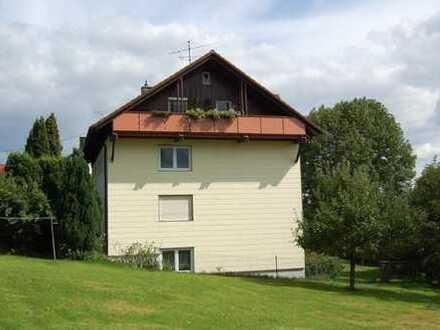 3 Zimmer Dachgeschoss Wohnung in ruhiger Lage