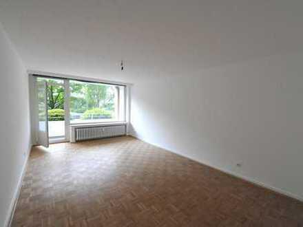 Helles, ruhiges Apartment im EG mit Balkon in Golzheim