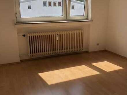 Exklusive, modernisierte 1-Zimmer-Wohnung mit Balkon und EBK in Bremen