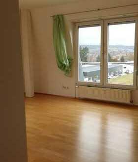 1-WG-Zimmer in grosser Wohnung mit Balkon und EBK in Bad Camberg
