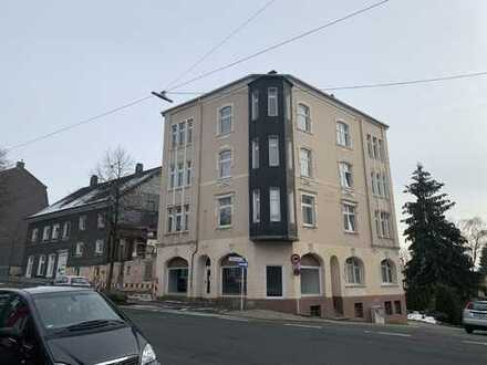Großes Mehrfamilienhaus mit vielen Nutzungsmöglichkeiten & Baugrund mit Abbruchhaus (für Profis!)