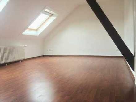 3 Zimmer im DG, ruhige Lage in der City von Wuppertal-Barmen