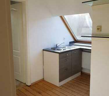 Kleine Single Wohnung zentral in Leverkusen-Opladen