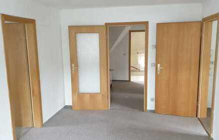 Ansprechende, modernisierte 2,5-Zimmer-DG-Wohnung zur Miete in Großharthau