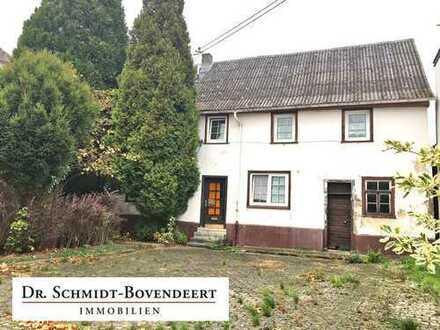 Handwerker aufgepasst! Ein-/Zweifamilienhaus in zentraler Lage von Dernbach!