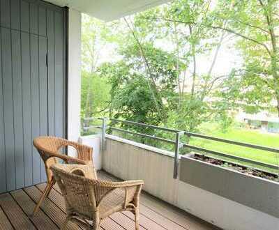 Im beliebten Düsseldorf-Niederkassel gut geschnittene, helle 2-Zi-Wohnung mit EBK und Balkon!