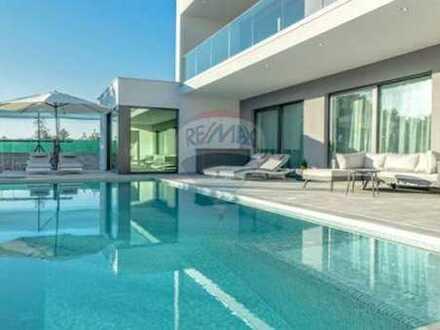 Mondäne elegante Villa in idyllischer Umgebung