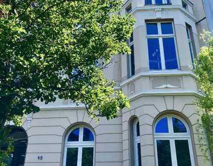 Erstbezug: Stilvolle Altbauwohnung