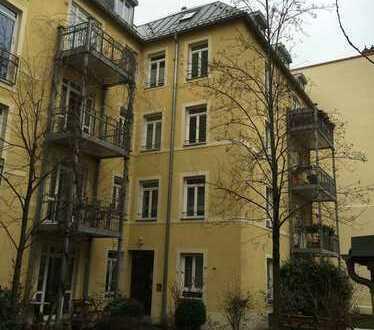 traumhafte Dachgeschosswohnung - hell, ruhig, idyllisch gelegen