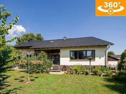 Gepflegtes, großzügiges Wohnhaus (285 m² Wfl.) mit ELW und Doppelgarage in ruhiger Lage von Finthen
