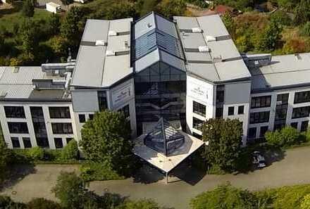 Modernes Bürogebäude mit Lagerflächen 6.155qm
