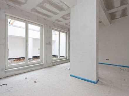Bodentiefe Fenster und Dachterrasse: 1,5-Zimmer DG-Wohnung fußläufig zum Park Sanssouci