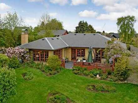 Sehr gepflegtes Einfamilienhaus mit tollem Garten!