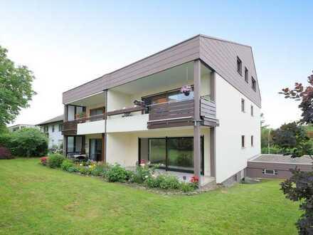 Schmuckstück in TOP-Lage: Maisonette-Wohnung mit sonniger Garten-Terrasse und direktem Garagenzugang