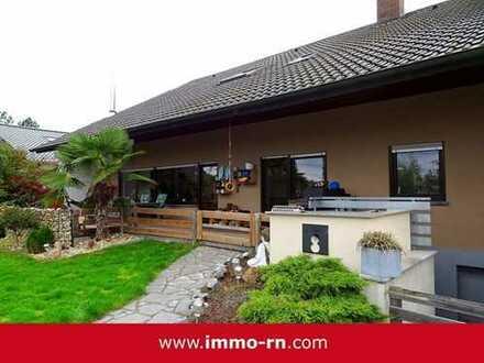 +++ Modern sanierte 5 ZKB Maisonette-Terrassenwohnung mit herrlichem Garten und Pool +++