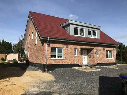 Lembeck: ENERGIESPARHAUS: Exklusives Haus mit Terrasse, Garten u. Garage