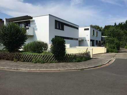 3,5-Zimmer-EG-Wohnung mit Balkone und Einbauküche in Bremen/oberneuland