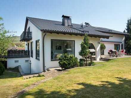 Repräsentative Architektenvilla mit Wellnessoase und herrlichem Weitblick ins Grüne, Nähe Forchheim