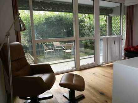 14qm helles Zimmer mit zugang zur Terrasse, eigenem Bad und großem Wohnzimmer