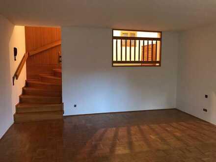 Gepflegte 1,5-Zimmer-Wohnung mit Terrasse und Einbauküche in Bayreuth