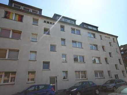 Freie 2 Zimmer Wohnung mit Balkon