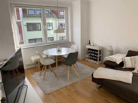 Neuwertige 2-Zi. Wohnung mit Balkon und EBK im Flüsseviertel